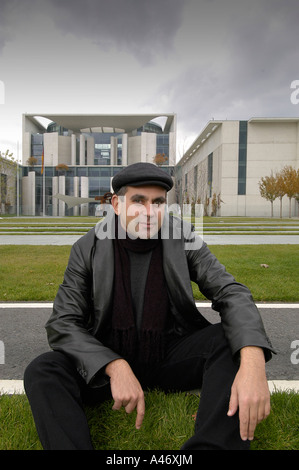 Author Wladimier Kaminer in front of the Federal Chancellery, Berlin, Germany - Stock Photo