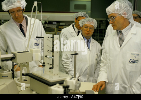 soviet businessmen scientists and managers visiting Glaxos research laboratory  on a business exchange  with UK - Stock Photo