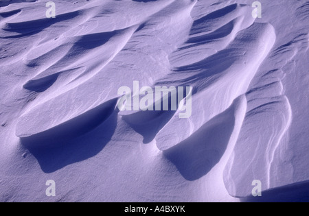 Wind formed slab snow drift in the Scottish Hills.  XPL 4713-442 - Stock Photo