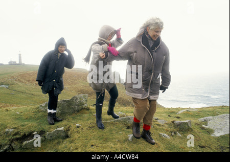 SMOKESTOP' LUNDY ISLAND 1994, 3 SMOKESTOPPERS HAVING A WALK ACROSS THE BLEAK BUT BEAUTIFUL ISLAND - Stock Photo