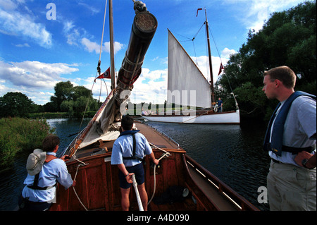 WHERRIES WHERRY SAIL BOATS NORFOLK BROADS SAILING FUN FAMILY OLD - Stock Photo
