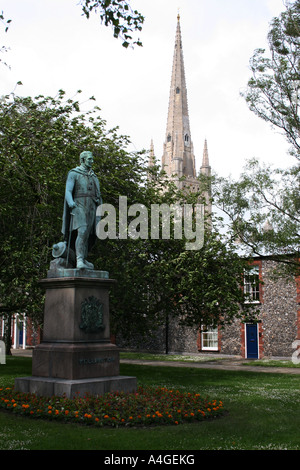 Statue of Arthur Wellesley, Duke of Wellington, in the grounds of Norwich Cathedral, Norfolk - Stock Photo