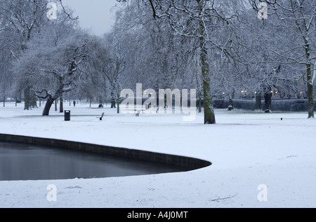 Cold Icy Early Morning, Regents Park, London, UK - Stock Photo