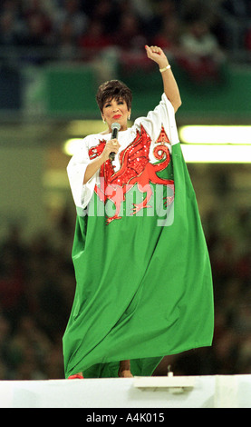 Shirley Bassey Uk Singer Stock Photo 6971549 Alamy