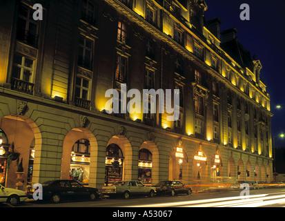 The Ritz Hotel, Picadilly, London, England - Stock Photo