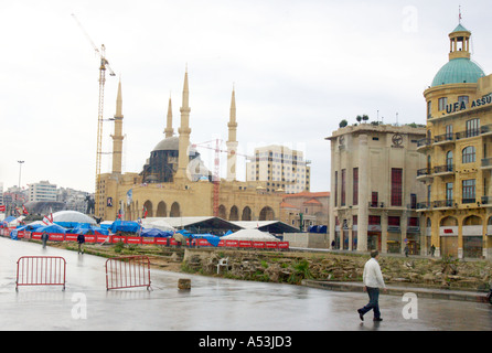 LEBANON BEIRUT Modern downtown Beirut with tent city of protesters new mosque under construction and rebuilt buildings - Stock Photo