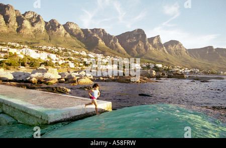 Beach promenade camps bay cape town western cape south for Landscaping rocks cape town