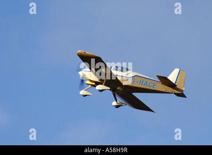 Van's RV-6A Side by die twin seat home built kit aeroplanes.    XAV 4877-457 - Stock Photo