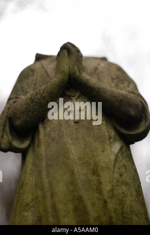 Tower Hamlets cemetery in the East end of London 2004 - Stock Photo