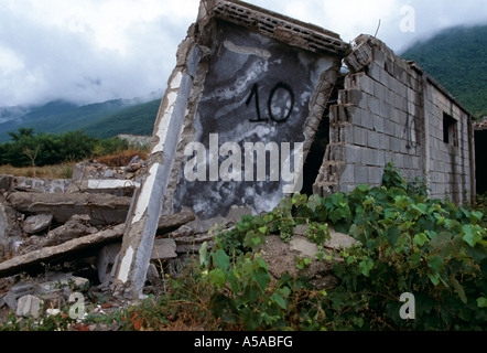 A destroyed Serbian village in Kosovo - Stock Photo