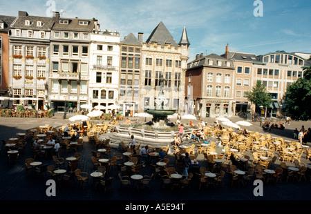 aachen markt rathaus mit haus l wenstein stock photo royalty free image 11286405 alamy. Black Bedroom Furniture Sets. Home Design Ideas