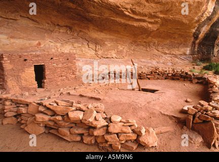 Perfect Kiva an underground ceremonial structure in Bullet Canyon - Stock Photo