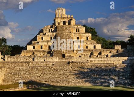 Edificio de los Cinco Pisos Gran Acropolis Mayan ruins in Edzna, Campeche state, Yucatan peninsula, Mexico - Stock Photo