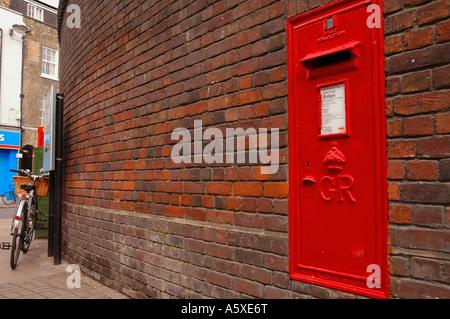 Painet iw1900 england cambridge university jesus lane brick wall mailbox sidney sussex college - Stock Photo