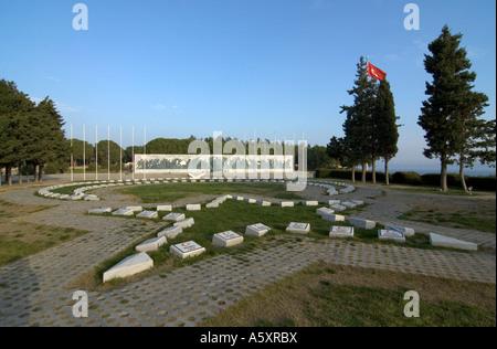 A Turkish graveyard memorial on the Gallipoli peninsula, near Canakkale, Turkey - Stock Photo