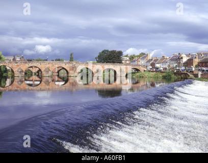dh Devorgilla Bridge DUMFRIES GALLOWAY SCOTLAND Multiple stone arch bridge across River Nith