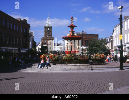 dh Town House DUMFRIES GALLOWAY Fountain main street shopping centre people