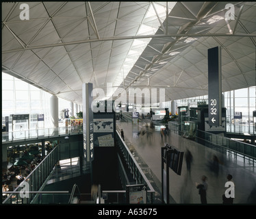 Hong Kong International Airport, Chek Lap Kok  Central Concourse. Architect: Foster and Partners - Stock Photo