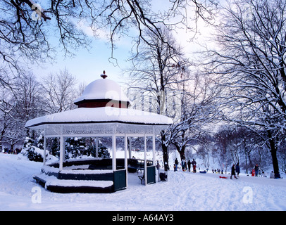 Snow covered Roundhay park in Leeds West Yorkshire - Stock Photo