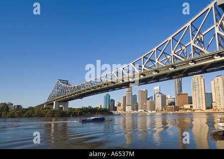 Early morning light illuminates Brisbane's Story Bridge The iconic bridge built in the 1940's traverses the Brisbane - Stock Photo