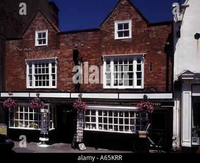 Ye Olde Chymist Shoppe oldest chemists shop in England c 1720 Knaresborough Yorkshire - Stock Photo