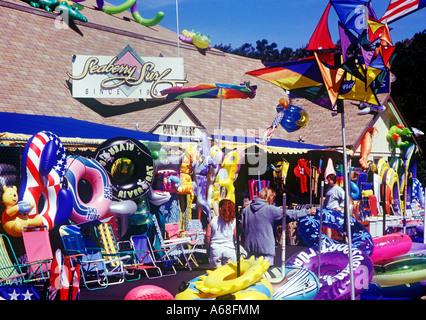 Beach and souvenir shop - Stock Photo