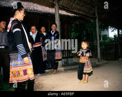 Hmong family dressed in traditional clothes. Vietnam - Stock Photo