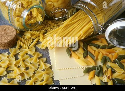 Verschiedene Sorten Nudeln, Pasta - Stock Photo