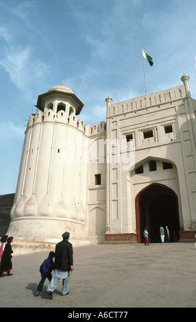 Pakistan Punjab Lahore Lahore Fort gateway - Stock Photo