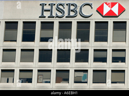1 how has hsbc adapted its global strategy to operate in china both before and after china s wto acc China's decision in 2001 to become a member of the world trade organization (wto) was a major factor in citibank's decision to make a greater commitment to the chinese market prior to china' joining the wto, the banking environment in china was fairly restrictive.