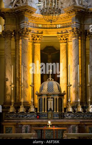 Main altar at the Trinità dei Monti - Stock Photo