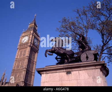 'Big Ben' and statue of Queen Boadicea, Westminster, London, England, UK. - Stock Photo