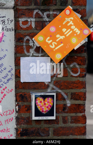 Written tributes near west London where teenager Kodjo Yenga was stabbed to death by other youths in the street - Stock Photo