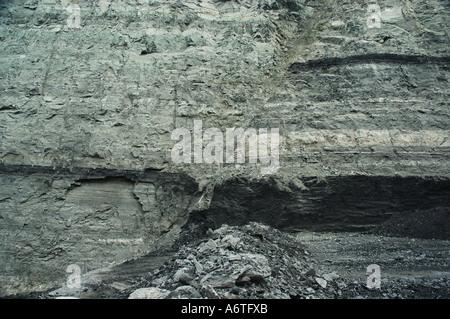 fault line in coal face open cut mine - Stock Photo
