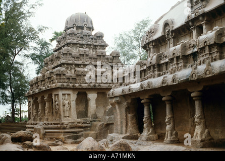 geography / travel, India, Mahabalipuram (Mamallapuram), tamil Nadu, temple, built until 668 AD under Pallava dynasty, - Stock Photo