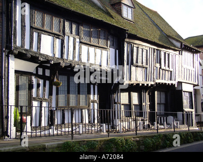 A typical half timbered Sussex Wealden hall house in All Saints Street Hastings old town dated c 1485 1510 - Stock Photo