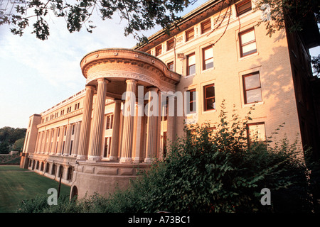 Education, PITTSBURGH PA USA 'Carnegie Mellon University' 'M.M.C Building' with Columns in Front - Stock Photo