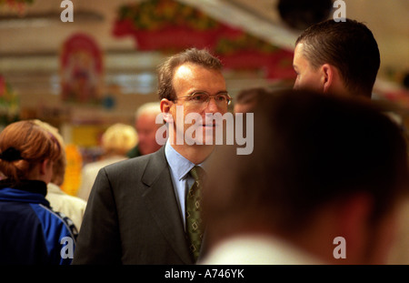 SIR TERRY LEAHY CEO OF TESCOS SUPERMARKET CHAIN - Stock Photo
