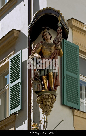 Historic section of town, Statue of Saint Florian at the facade of a house, Bamberg, Frankonia, Bavaria, Germany