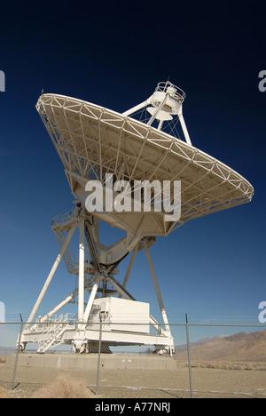 Polarized sky backdrop of the Owens Valley radio astronomy array - Stock Photo