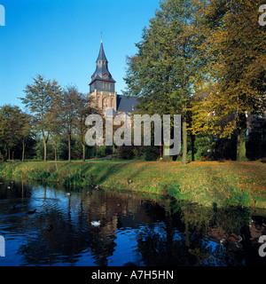 Pfarrkirche und Wallfahrtskirche Sankt Peter und Paul in Kranenburg am Niederrhein, Nordrhein-Westfalen - Stock Photo