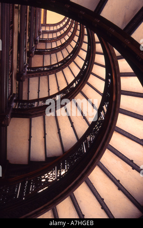 USA, IL, Chicago. Rookery Building designed by Burnham & Root, lobby redesigned by Frank Lloyd Wright - Stock Photo