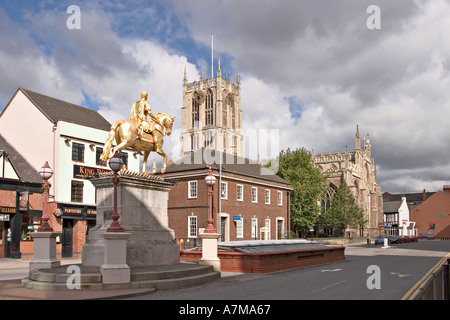 Hull Kingston upon Hull King William III Billy Statue and Holy Trinity Church - Stock Photo