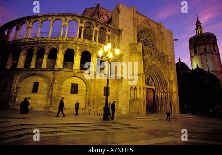 Spain, Valencia, Plaza de la Virgen, the cathedral seen from the side of Puerta de Los Apostoles (the Apostle' Gate) - Stock Photo