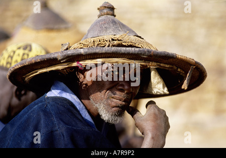 Mali, Dogon Country, old man from Tereli village with his traditional hat - Stock Photo