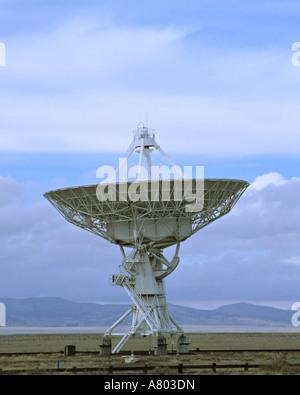 New Mexico, Socorro. One of the 27 antennas of the Very Large Array radio telescope of the National Radio Astronomy - Stock Photo