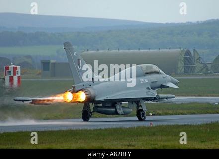 Eurofighter Typhoon at takeoff. Serial AZ No 17 Squadron Coninsby   XAV 6401 - Stock Photo