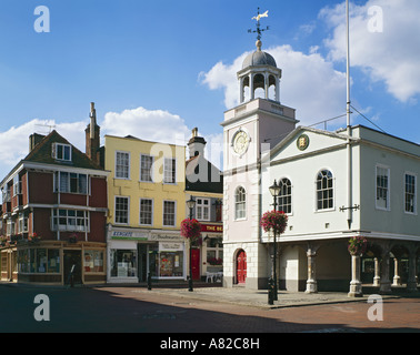 GB  KENT FAVERSHAM MARKET PLACE GUILDHALL - Stock Photo