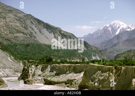Pakistan Azad Kashmir Hunza Mount Rakaposhi 7788m Hunza River - Stock Photo