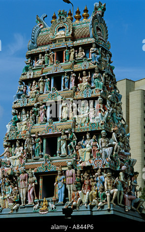 Singapore. Heart of Chinatown. Sri Mariamman oldest budhist temple honors profusion of deities. Devotees mostly - Stock Photo